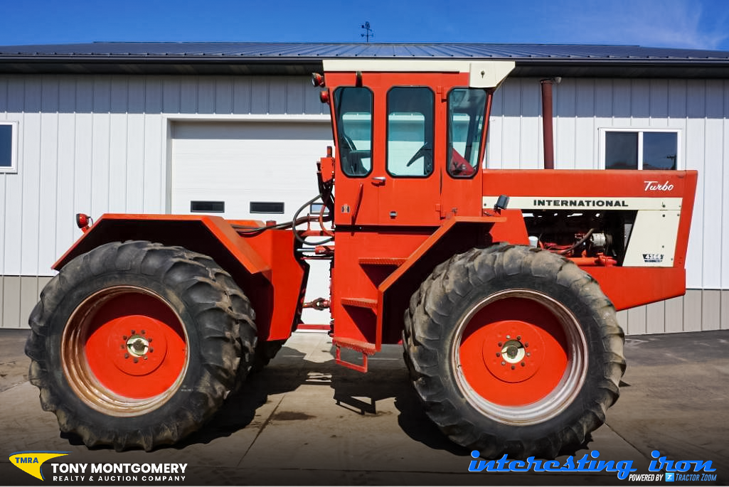 IH 4366 tractor at auction