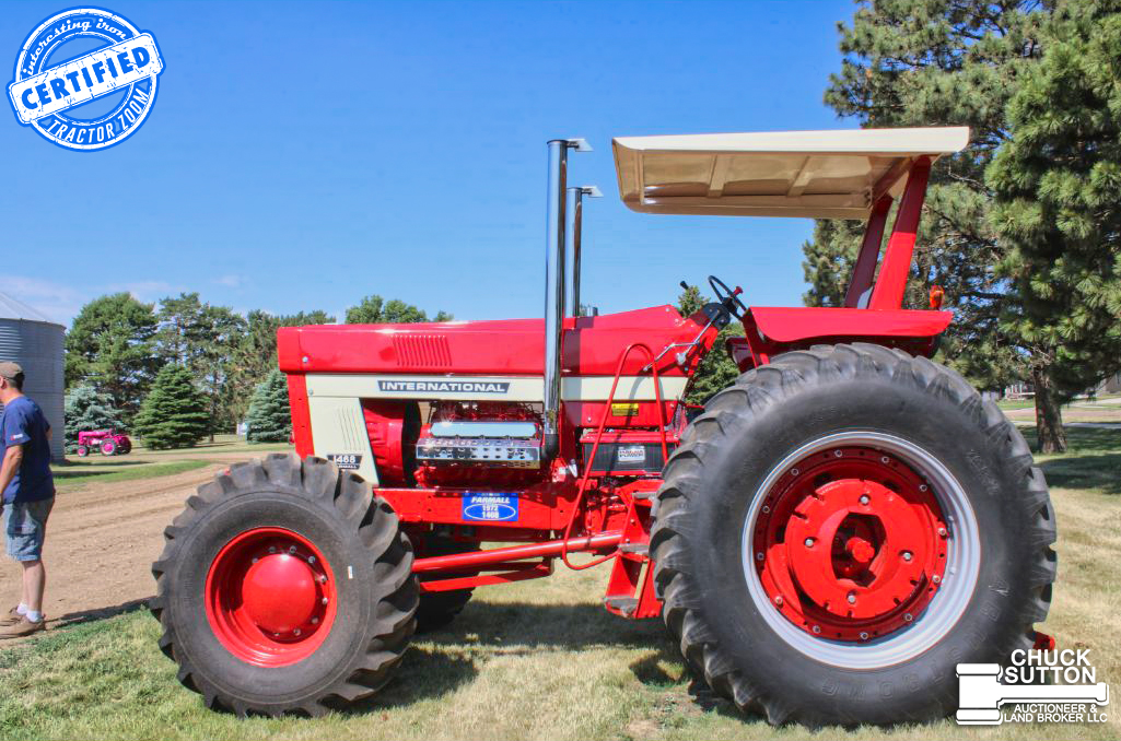 IH 1468 with a Coleman FWA front axle interesting tractor