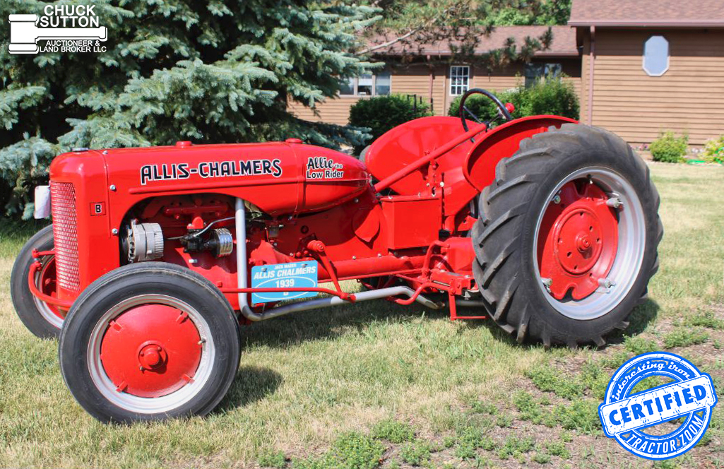 Interesting Allis Chalmers B at a tractor auction